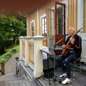 Tomas Henriksson