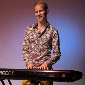 Adam Skinner Pianoman