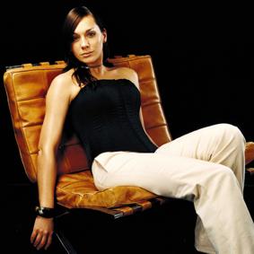 EMMA ANDERSSON (konferencier)